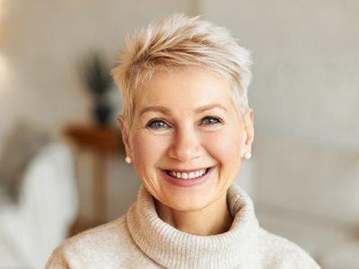 درمان علائم یائسگی با هورمون تراپی و روشهای غیرهورمونی