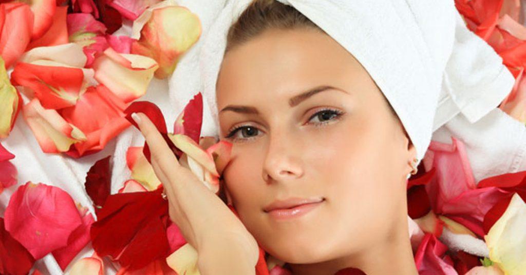 تاثیر قطره گل سرخ بر پوست